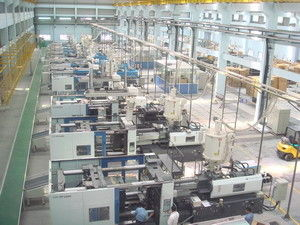 Large Metal Injection Molding Equipment Machiney , Central Automatic Feeding Systems